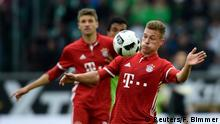 Fußball 1. Bundesliga VfL Wolfsburg FC Bayern München Joshua Kimmich in action