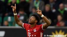 Fußball 1. Bundesliga VfL Wolfsburg FC Bayern München David Alaba celebrates scoring their first goal