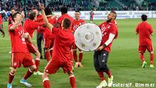 Fußball 1. Bundesliga VfL Wolfsburg FC Bayern München after winning the Bundesliga Meisterschaft