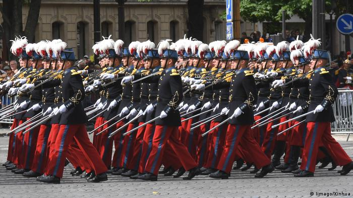 PARIS July 14 2016 Students of the special military school of Saint Cyr march durin (Iimago/Xinhua)