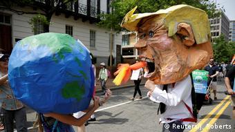 Διαδήλωση στην Ουάσιγκτον κατά της κλιματικής πολιτικής Τραμπ