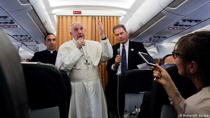 Papst Franziskus Flugzeug Statement Nordkorea