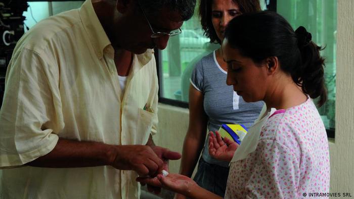Filmstill aus RAUE HÄNDE von Mohamed Asli (INTRAMOVIES SRL)