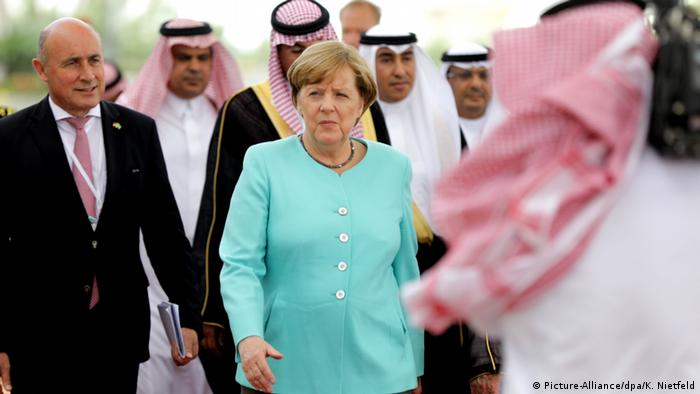 Merkel reist nach Saudi-Arabien (Picture-Alliance/dpa/K. Nietfeld)