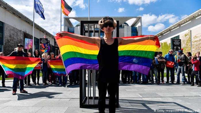 A protest in Berlin against homophobia in Chechnya (Getty Images/AFP/J. McDougall)