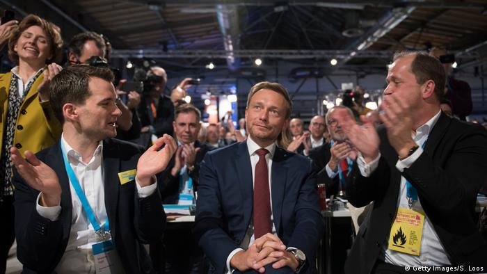 Deutschland Bundesparteitag FDP in Berlin Christian Lindner