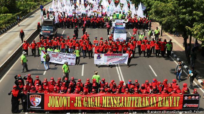 Indonesien 1. Mai Demonstration in Jakarta (picture-alliance/Zumapress/D. Pohan)