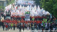 01.05.2017+++ May 1, 2017 - Jakarta, jakarta, indonesia - Thousands of workers from Jakarta and surrounding areas, crowded the city of Jakarta perform their action on international labor day at the roundabout of the national monument jakarta |
