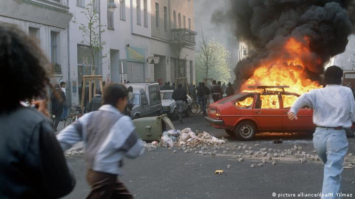 Schwere Krawalle am 1. Mai 1989 in Berlin (picture alliance/dpa/M. Yilmaz)