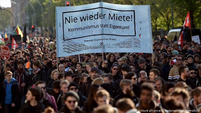 Left wing protests ahead of May Day (picture alliance/B. Pedersen/dpa-Zentralbild)
