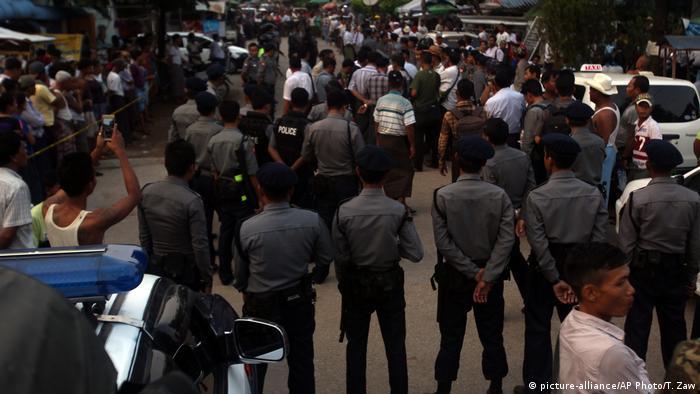 Myanmar Schließung muslimischer Schulen in Rangun (picture-alliance/AP Photo/T. Zaw)