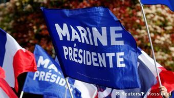 Anhänger von Marine le Pen und dem Front National am Maifeiertag in Villepinte (Reuters/P. Rossignol)