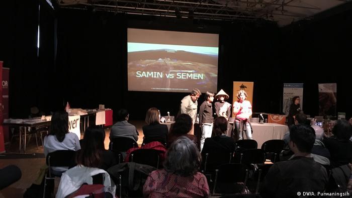 Dokumentarfilm SAMIN VS SEMEN (DW/A. Purwaningsih)
