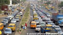 Heavy traffic in Lagos (picture-alliance/dpa/P.Utomi Ekpei)