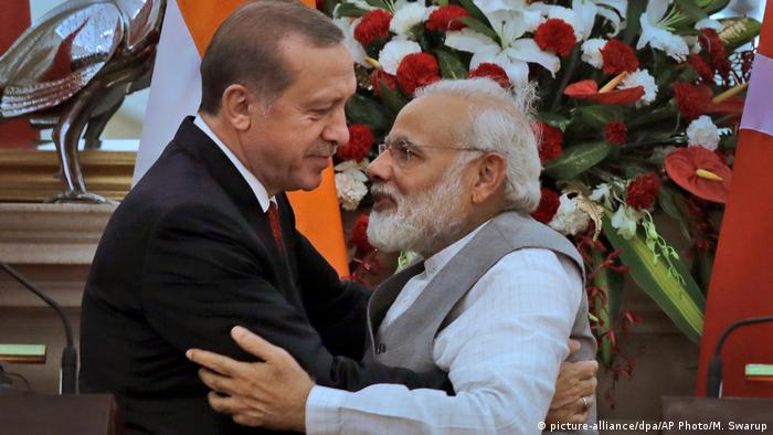 Präsident Erdogan besucht Indien (picture-alliance/dpa/AP Photo/M. Swarup)