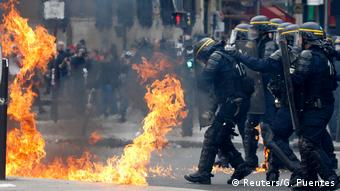 Frankreich 1. Mai Ausschreitungen in Paris (Reuters/G. Fuentes)