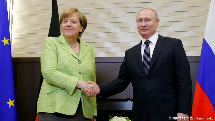 Russland   Merkel trifft Putin