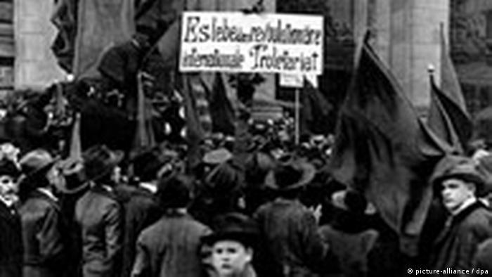 Deutschland Novemberrevolution in Berlin 1918 2140715.jpg (picture-alliance / dpa)