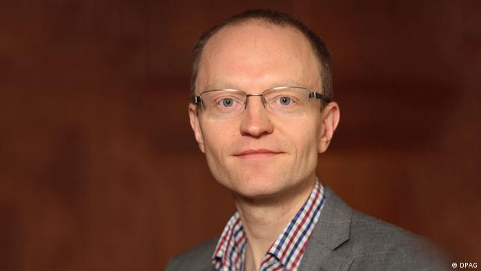 Dr. Stefan Meister