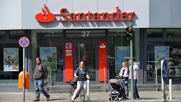 Deutschland   Santander Bank in Berlin