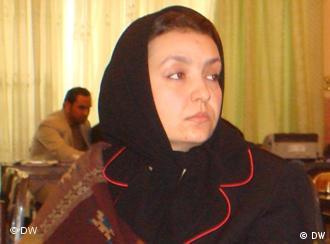 خانم سیما شیرمحمدی مسوول موسسه پژوهشی زنان افغان درهرات