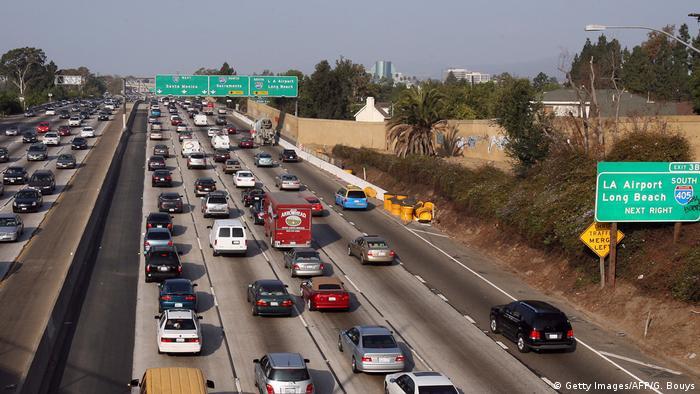 Автомобили на хайвэе в США