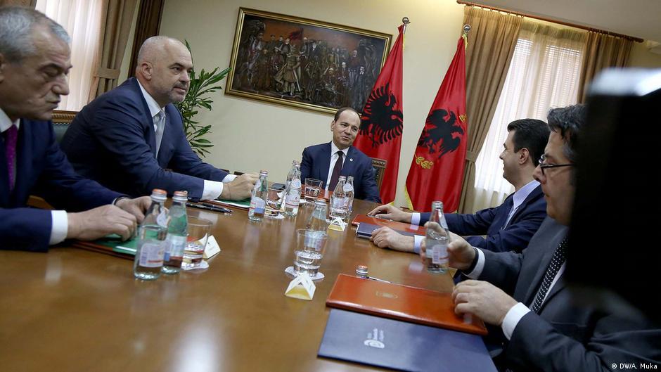 Albanien Treffen zwischen Premierminister Edi Rama und Oppositionsführer Lulzim Basha