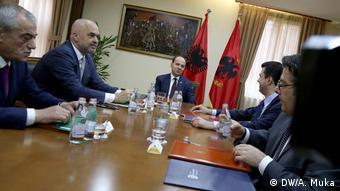 Albanien Treffen zwischen Premierminister Edi Rama und Oppositionsführer Lulzim Basha (DW/A. Muka)