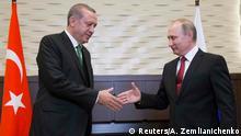 03.05.2017 *** Russian President Vladimir Putin (R) shakes hands with his Turkish counterpart Tayyip Erdogan during a meeting in Sochi, Russia, May 3, 2017. REUTERS/Alexander Zemlianichenko/Pool