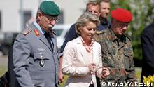 Frankreich Bundesverteidigungsministerin Ursula von der Leyen in Illkirch