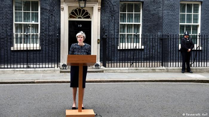 London Premierministerin Theresa May vor 10 Downing Street (Reuters/N. Hall)