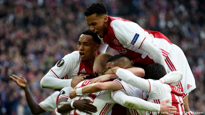 Fußball Europa League Ajax Amsterdam v Olympique Jubel (Getty Images/AFP/J.-P. Ksiazek)
