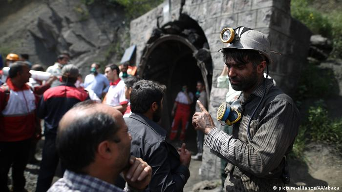 Iran Grubenunglück in Kohlebergwerk (picture-alliance/AA/abaca)