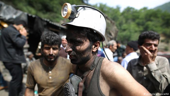 Iran Grubenunglück in Kohlebergwerk (picture-alliance/AA)