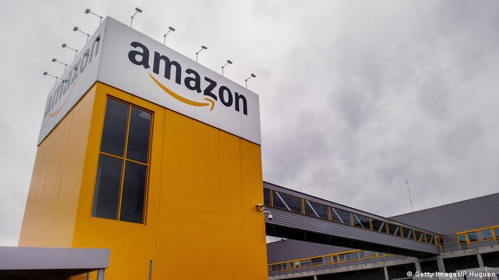 Amazon logo on a building (Getty Images/P.Huguen)