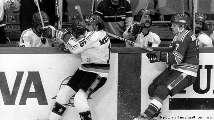 Eishockey-WM 1983: BRD - DDR 7:3 (in München) (picture-alliance/dpa/F. Leonhardt)