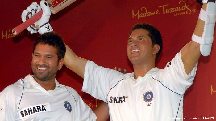 England Sachin Tendulkar im Madame Tussauds London (picture-alliance/dpa/EPA/STR)