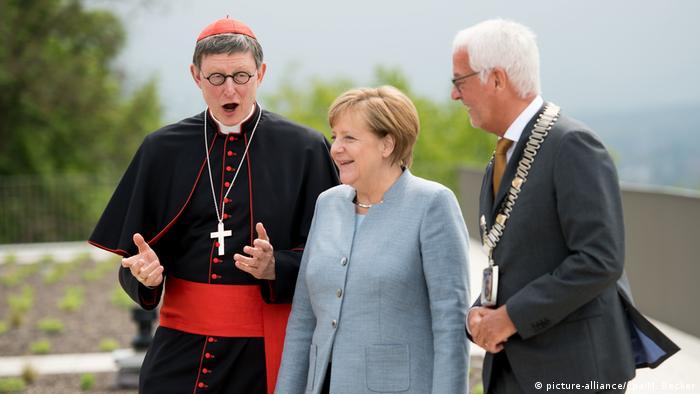 Angela Merkel bei Eröffnung des Katholisch-Sozialen Institutes in Siegburg