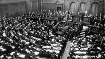 Deutschland Weimarer Republik Reichstag in Berlin