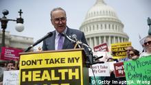 Immer wieder protestieren in den USA Bürger gegen die Rücknahme der Gesundheitsreform von Barack Obama