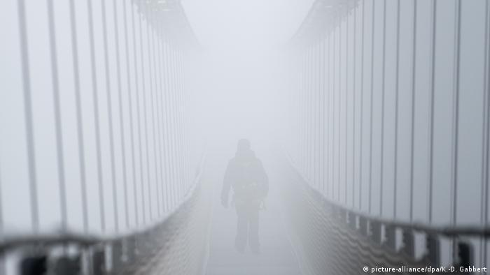 Deutschland BdT Fußgänger-Hängeseilbrücke an der Rappbodetalsperre (picture-alliance/dpa/K.-D. Gabbert)