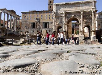 Triumphbogen des Septimius-Severus im Forum Romanum (Foto: DPA)