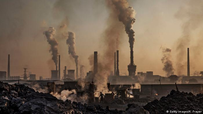 China | Illegale Stahlfabriken unterlaufen Chinas Emissionsgesetze (Getty Images/K. Frayer)