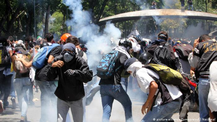 Unruhen in Venezuela (picture-alliance/Zumapress/El Nacional)
