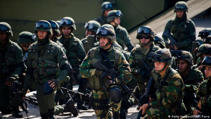 Venezuela Militär (Getty Images/AFP/F. Parra)