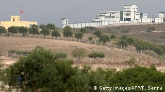 Des bâtiments dans la zone frontalière entre l'Algérie et le Maroc (Archives - Oujda, 13.09.2013)