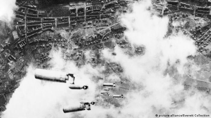 На Дрезден були скинуті бомби загальною масою 4000 тонн
