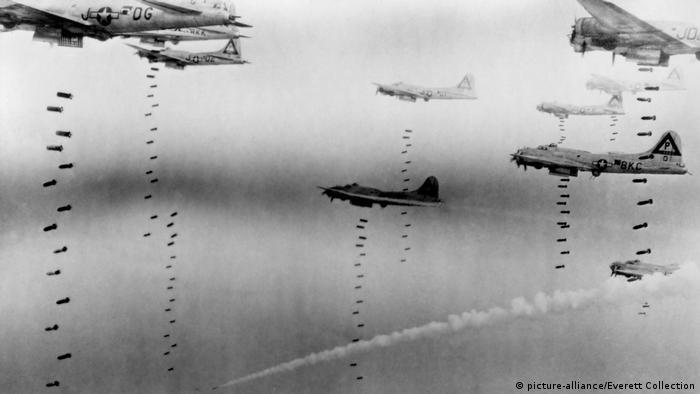 Під час авіаударів США та Великобританії були задіяні близько 1300 британських та американських літаків
