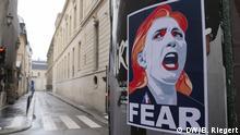 Frankreich - Wahlkampf: Anti-Marine Le Pen Plakat in der Innenstadt Paris