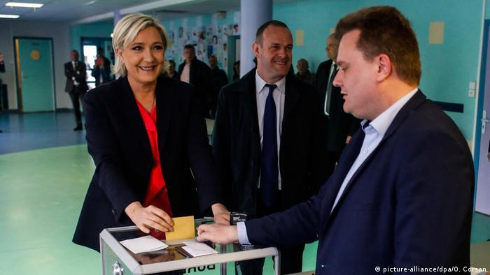 Frankreich Präsidentschaftswahl Marine Le Pen (picture-alliance/dpa/O. Corsan)